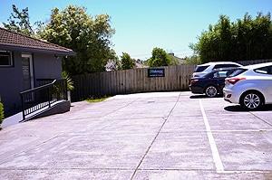 OakStone_Dental_Parking